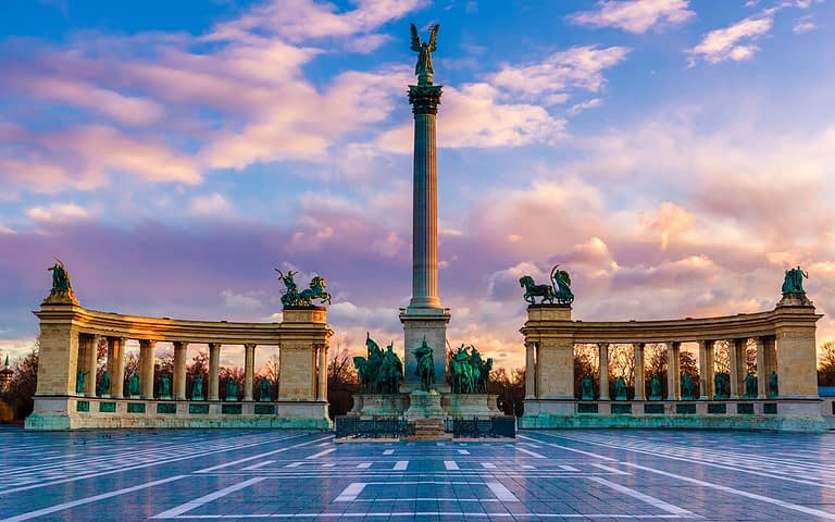 budapest_heroes_square_study_in_europe